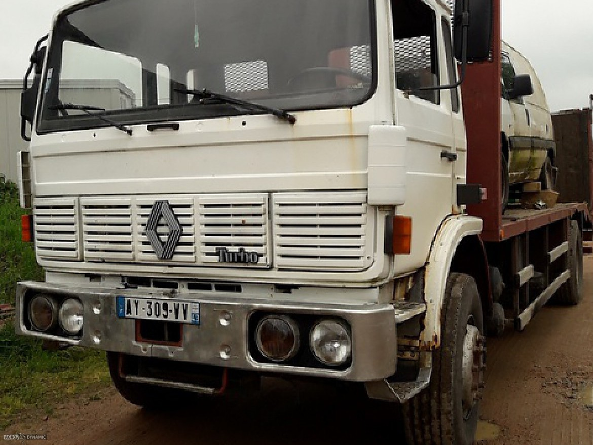 CAMION PLATEAU RAMPE RENAULT G 230