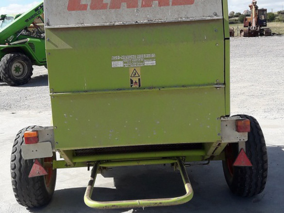 PRESSE BALLE RONDE CLAAS ROLLANT 46