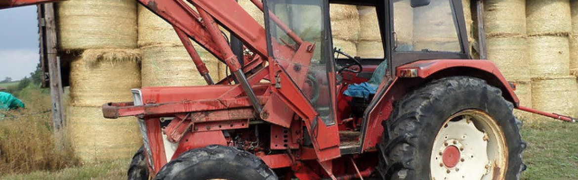 TRACTEUR CASE IH 745 + CHARGEUR